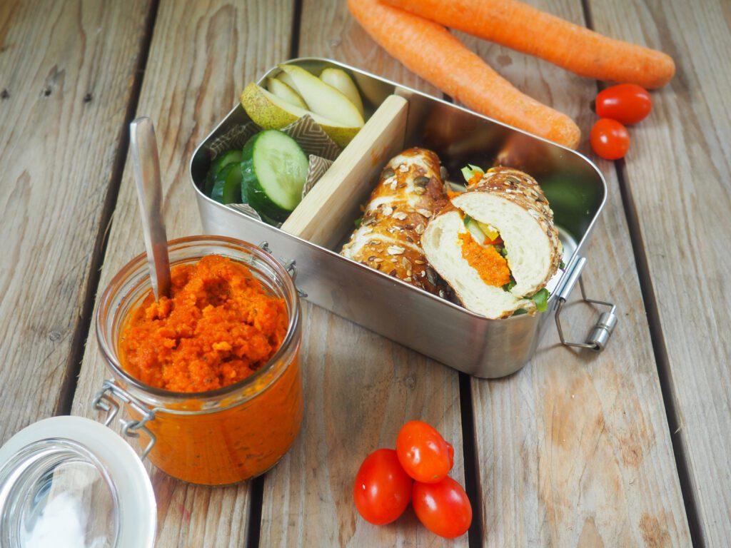 Brotbox Idee Tomate-Karotte-Brotaufstrich
